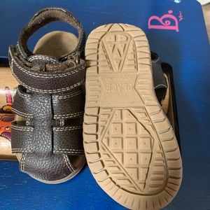 Children's place toddler/boy sandals